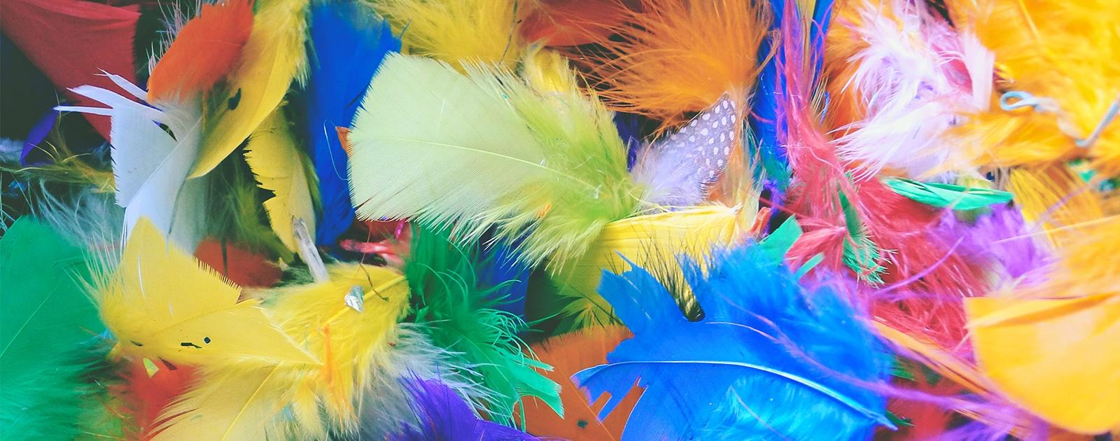 Fabrique ta barrette en plumes